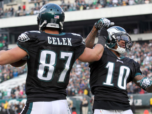 Brent Celek celebrates his second-quarter touchdown with DeSean Jackson. (Yong Kim/Staff Photographer)