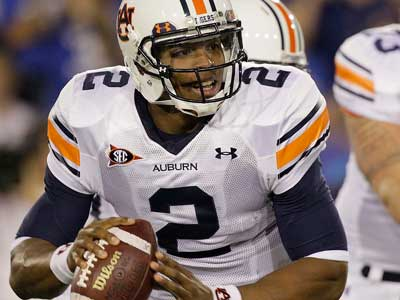 Cam Newton and the Auburn Tigers are heavy favorites to be playing in this year´s BCS. (AP Photo/Ed Reinke, File)