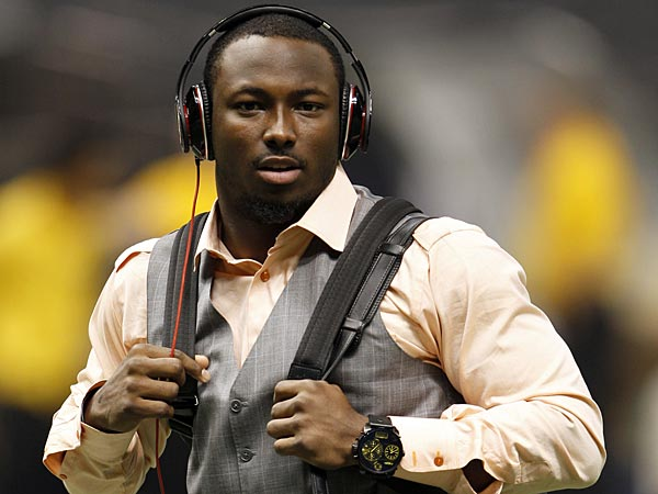 LeSean McCoy walks through the Superdome before the Eagles<br />played the New Orleans Saints on Monday November 5, 2012. (Yong Kim/Staff Photographer)