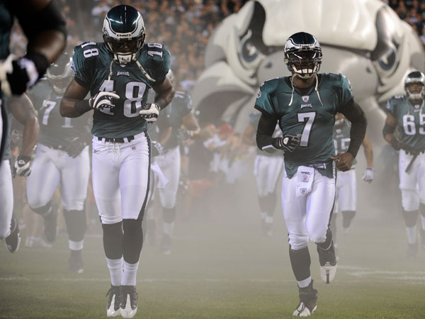 Jeremy Maclin and Michael Vick. (Michael Perez/AP file)