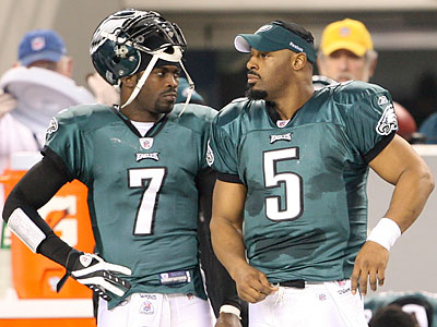 Donovan McNabb remains a free agent, although three teams are said to have interest in him. (Yong Kim/Staff file photo)