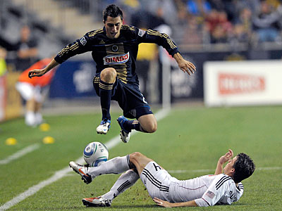 Michael Farfan and the Union will start the season against the Timbers on March 12. (Michael Perez/AP Photo)