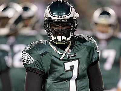 Michael Vick´s resurgence in the NFL was one of the biggest stories of last season. (Yong Kim/Staff file photo)
