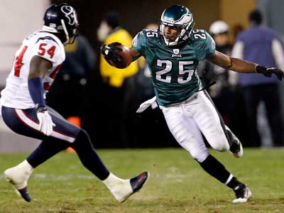 LeSean McCoy and the Eagles head to Dallas to take on the Cowboys Sunday night. (Ron Cortes/Staff Photographer)