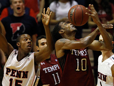Ramone Moore leads the Owls in scoring with 17.8 points per game. (Yong Kim / Staff Photographer)
