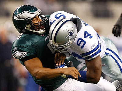 Donovan McNabb´s last game as an Eagle came with a playoff loss to Dallas. (David Maialetti / Staff file photo)