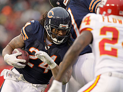 Bears running back Marion Barber should see increased production with Matt Forte likely out Sunday. (Nam Y. Huh/AP Photo)