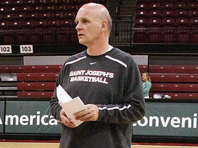Saint Joseph´s coach Phil Martelli returns his entire team from last season. (Steven M. Falk/Staff file photo)