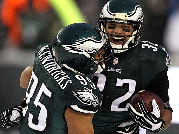 Eagles running back Chis Polk and linebacker Mychal Kendricks. (David Maialetti/Staff Photographer)
