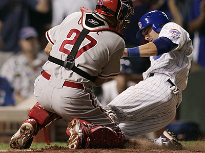The Phillies targeted Chicago´s Mark DeRosa as a potential replacement for the injured Chase Utley and as a utility outfielder. (Jerry Lai/AP file photo)