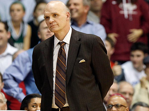 Saint Joseph´s head coach Phil Martelli watches his team late in the second half against Villanova on Tuesday, December 11, 2012.  (Yong Kim/Staff Photographer)