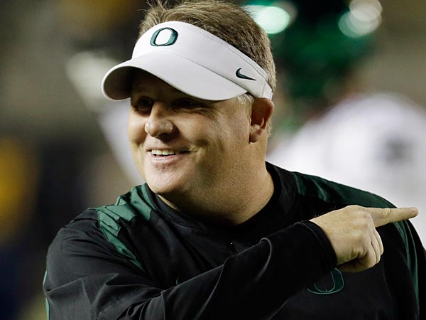 Oregon head coach Chip Kelly during warm ups before an NCAA college<br />football game against California in Berkeley, Calif., Saturday, Nov.<br />10, 2012. (AP Photo/Marcio Jose Sanchez)