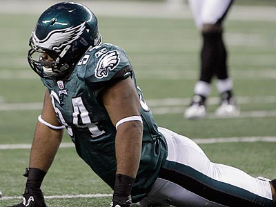 Brandon Graham´s season ended in the fourth quarter of the Eagles´ win after he tore his ACL. (Yong Kim/Staff Photographer)