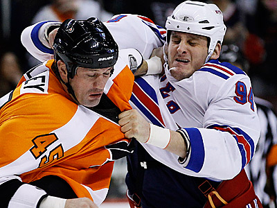 Jody Shelley will miss the Flyers´ games against Pittsburgh and Montreal. (AP Photo/Matt Slocum)