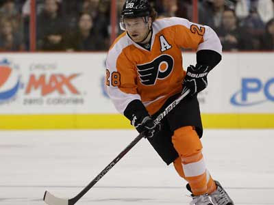 Claude Giroux has been out with a concussion since Dec. 10. (AP Photo/Matt Slocum)