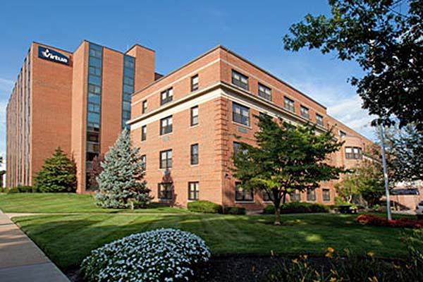 File: Virtua Memorial Hospital in Mount Holly, NJ