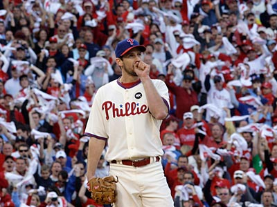 The Phillies´ signing of Cliff Lee greatly altered Vegas´ odds for the Phillies to win the World Series. (AP Photo/Mel Evans)