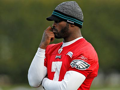 The Eagles are confident Michael Vick will play Sunday against the Jets. (Lynne Sladky/AP Photo)