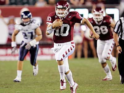 Quarterback Chris Coyer will lead Temple´s return to the Big East in 2012. (AP file photo)