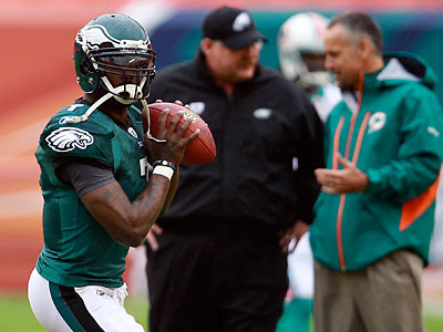Michael Vick did not practice Wednesday but is expected to play Sunday. (David Maialetti/Staff Photographer)