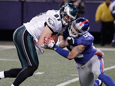 The Eagles have some real concerns about tight end Brent Celek´s sore back. (David Maialetti / Staff Photographer)