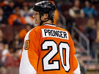 The Flyers are 16-9-2 without Chris Pronger this season and 8-3-2 with him. (Yong Kim/Staff file photo)