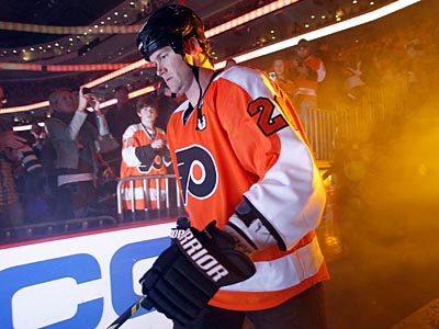 Flyers captain Chris Pronger has been ruled out for the rest of the season and playoffs. (Yong Kim/Staff file photo)