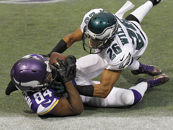Vikings torch Eagles secondary