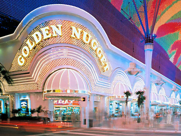 Downtown Las Vegas, about 15 minutes north of the Strip, has some of the city´s oldest casinos, including the Golden Nugget.