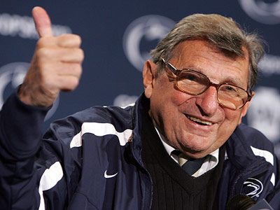 Joe Paterno´s contract has been extended through 2011. (Barbara L. Johnston/Staff Photographer)