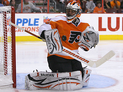 Brian Boucher will start in net as the Flyers begin their road trip in Vancouver. (Yong Kim / Staff Photographer)