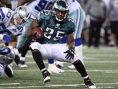LeSean McCoy is averaging a league-leading 6.3 yards per carry in the fourth quarter. (Yong Kim/Staff Photographer)