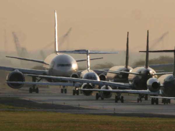 Planes at Philadelphia International Airport. (Michael S. Wirtz / Staff Photographer)