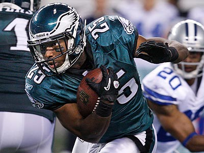 LeSean McCoy average 5.2 yards per carry during the 2010 season. (Ron Cortes/Staff Photographer)