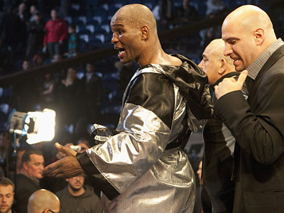 Bernard Hopkins reacts to the judges´ decision after his fight against Jean Pascal. (AP Photo/The Canadian Press - Jacques Boissinot)