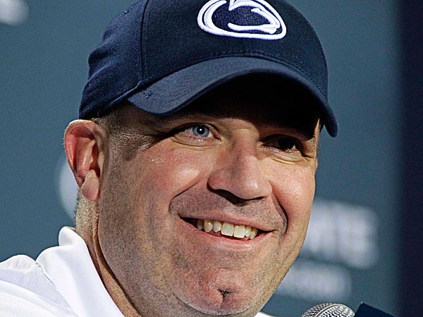 Penn State´s Bill O´Brien was named the Maxwell Football Club´s Collegiate Coach of the Year. (Gene J. Puskar/AP)