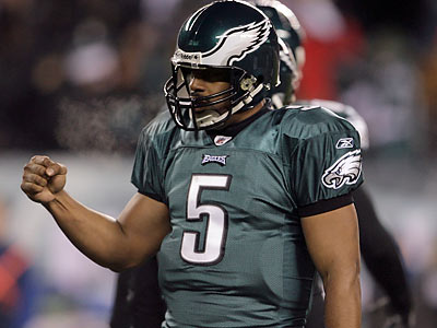 Donovan McNabb celebrated after LeSean McCoy´s one-yard touchdown run during the fourth quarter. (Yong Kim/Staff Photographer)