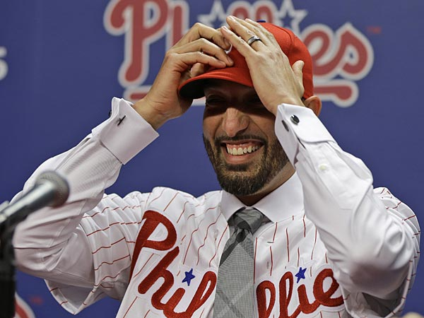 Philadelphia Phillies new relief pitcher Mike Adams during an introductory news conference Thursday, Dec. 20, 2012, in<br />Philadelphia.  (AP Photo/Matt Rourke)