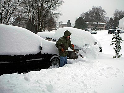 Charlie Zazzerea clears the area around his vehicle in Claymont, Delaware after one of the region´s deepest recorded snowfalls in January 2009. (Ron Cortes / Staff Photographer )