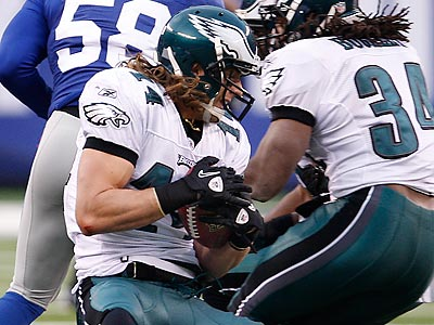 Riley Cooper´s recovery of an onside kick in the fourth quarter was a big part of their comeback win Sunday. (David Maialetti/Staff Photographer)
