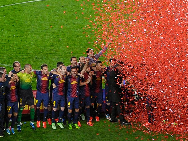 FC Barcelona´s players celebrate winning the Spanish League. (AP Photo/Manu Fernandez)