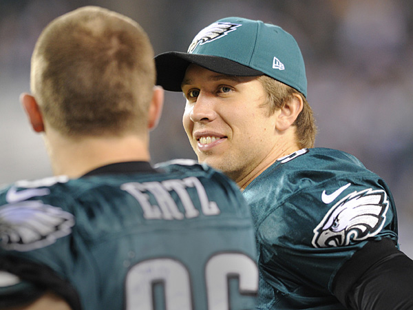 Eagles quarterback Nick Foles talks with tight end Zach Ertz. (Clem Murray/Staff Photographer)