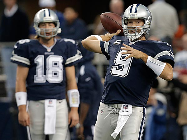 Cowboys quarterbacks Kyle Orton and Tony Romo. (Brandon Wade/AP)
