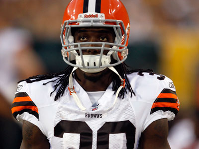 Gerard Lawson played in 20 career games with the Browns in 2008 and ´09. (AP Photo/Jim Prisching)