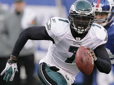 Michael Vick´s play this season has made him a candidate for the MVP award. (Yong Kim/Staff Photographer)