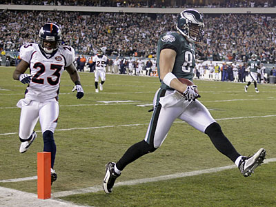 Did Brent Celek have a problem with drops last season? (Yong Kim / Staff Photographer)