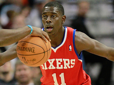 Jrue Holiday and the Sixers face the Golden State Warriors tonight at 10:30 p.m. (AP Photo/Barry Gutierrez)