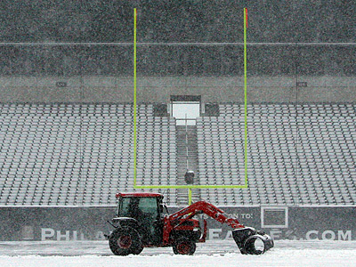 Lincoln Financial Field was covered in snow throughout the day and night yesterday. (Yong Kim/Staff Photographer)