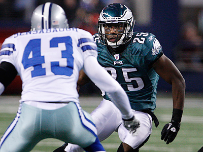 The Eagles game against the Cowboys has been moved back from 1:00 p.m. to 4:15 p.m. Sunday afternoon. (Ron Cortes / Staff Photographer)
