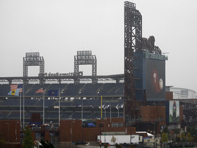 A heavy rain falls Tuesday afternoon at Citizens Bank Park, site of the World Series, in Philadelphia. Game 5 has been suspended until Wednesday evening due to the weather. (AP Photo / Chris O´Meara)